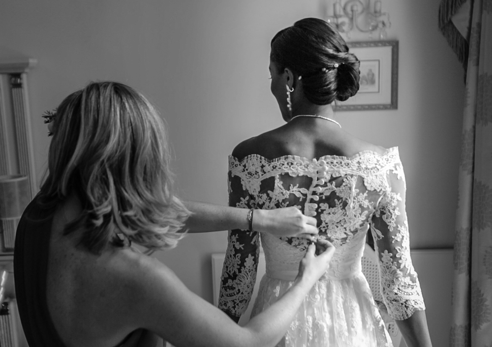 holland-park-bridal-prep-1-london-uk-destination-wedding-photography-Adam-Rowley