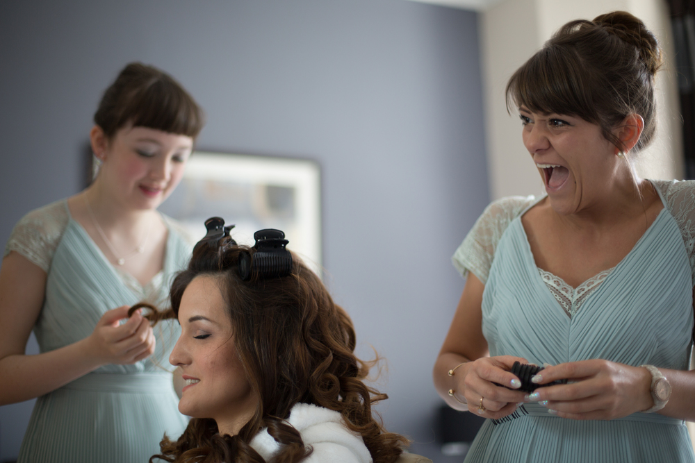 barnes-richmond-thames-bridal-prep-1-london-uk-destination-wedding-photography-Adam-Rowley