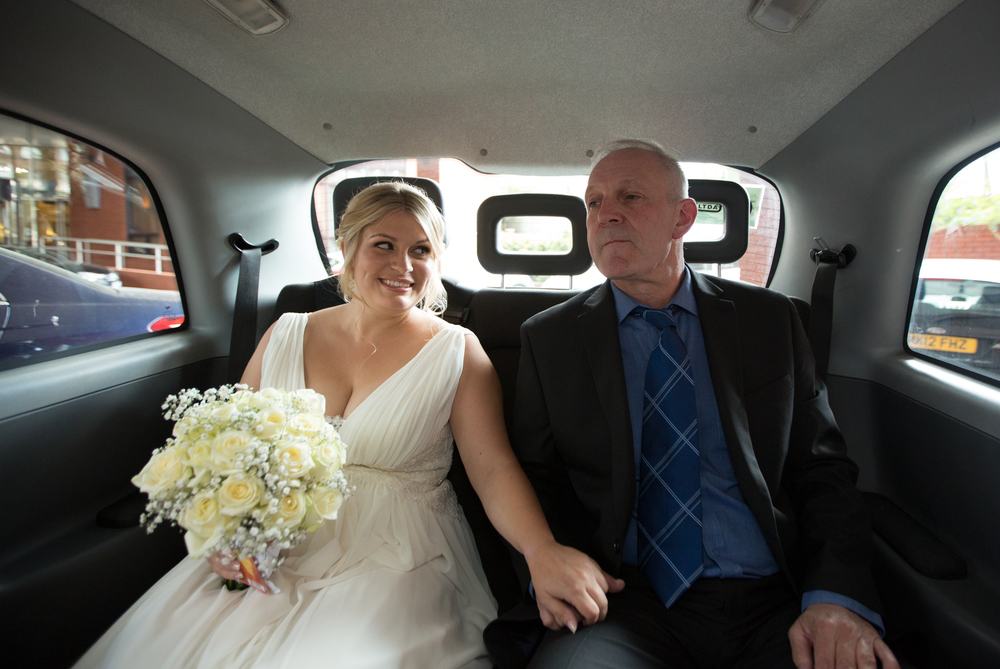 Black-taxi-father-of-the-bride-islington-wedding-1
