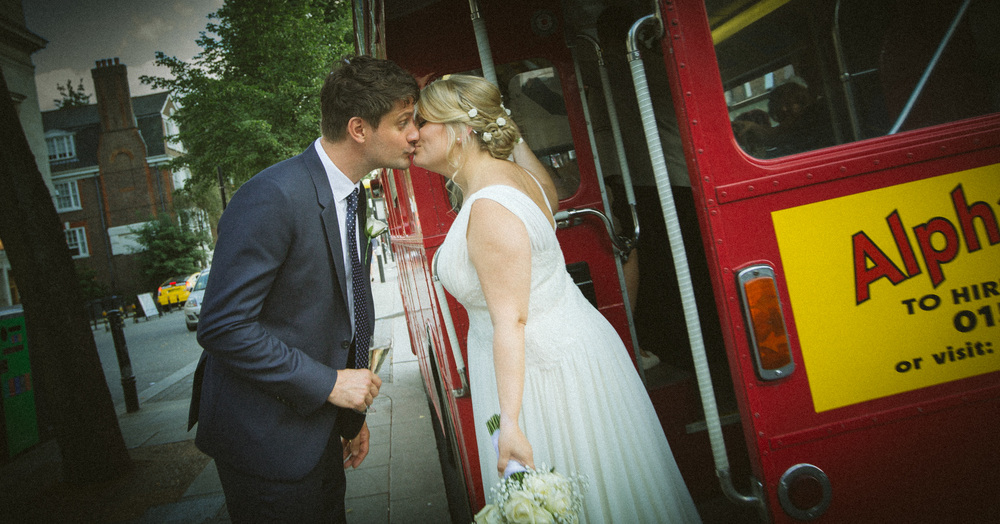routemaster-bus-romantic-kiss-vintage-wedding-1