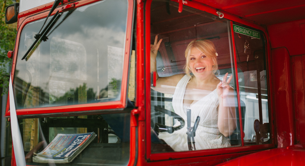 red-routemaster-bus-islington-london-wedding-1