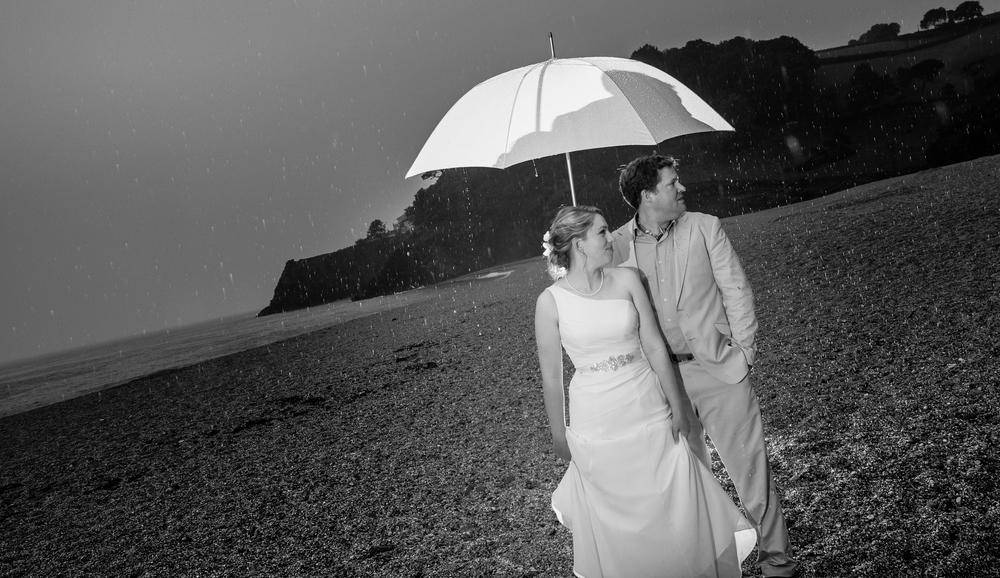 dartmouth wedding couple umbrella devon mono