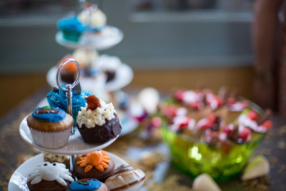 dartmouth wedding cake tray