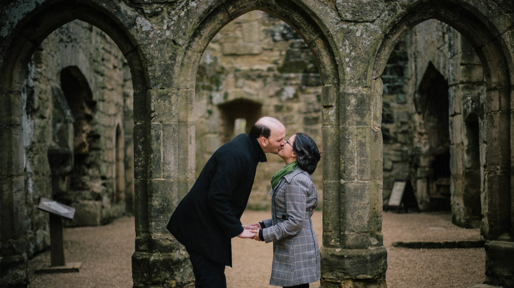 bodiam-castle-wedding-engagement-photography-12
