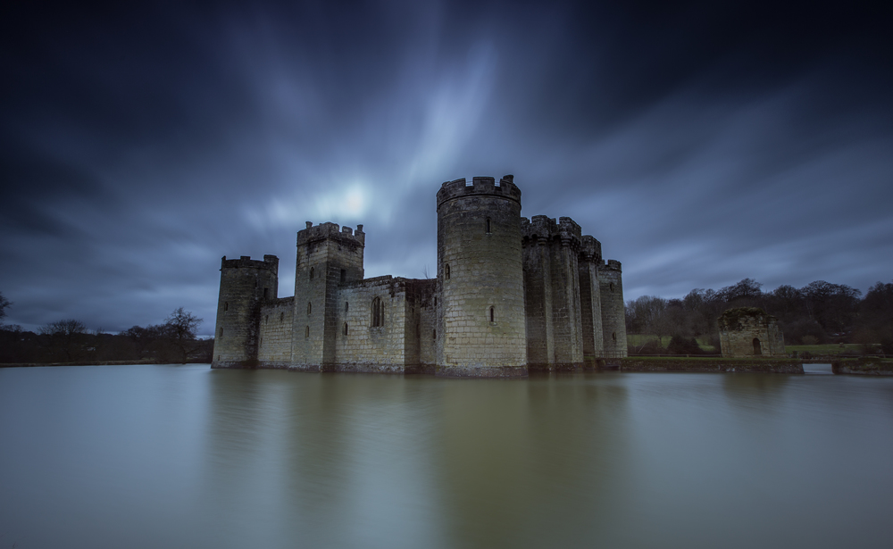bodiam-castle-wedding-engagement-photography-7