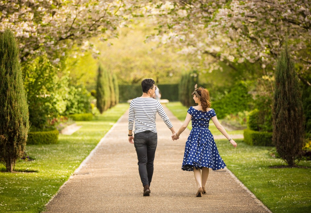 Asian-London-Vintage-Engagement-Wedding-Shoot-Notting-Hill-Regents-Park-22