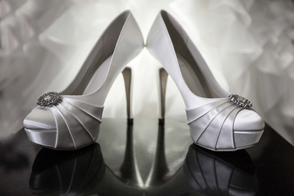 Essex-countryside-wedding-summer-shoes
