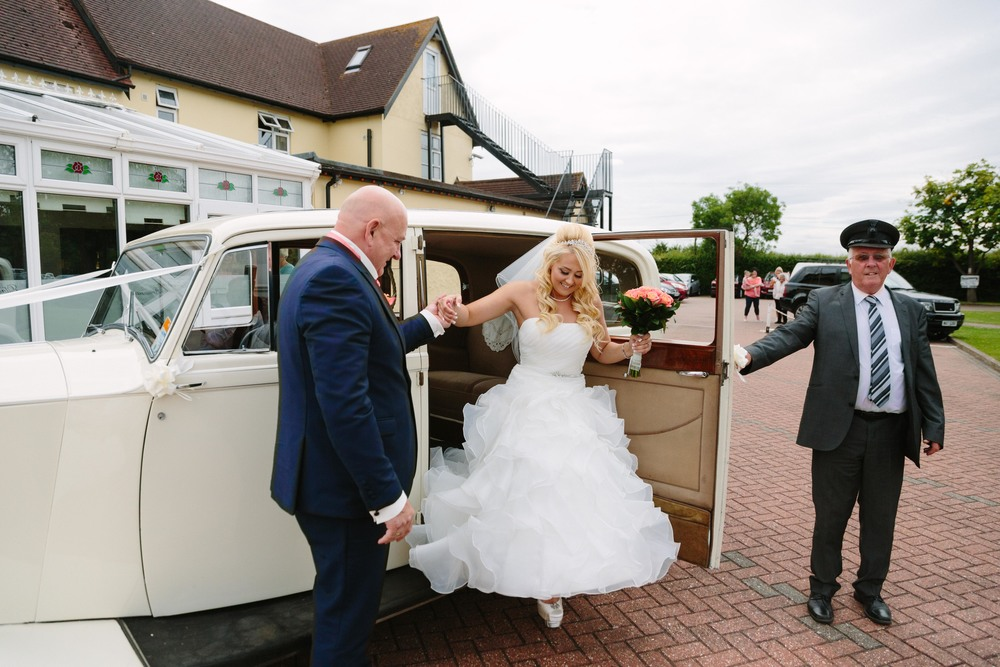 Essex-countryside-wedding-summer-12