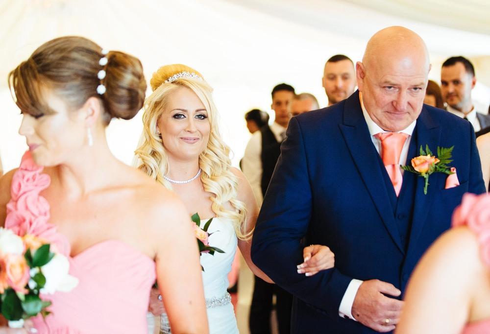 Essex-countryside-wedding-summer-aisle