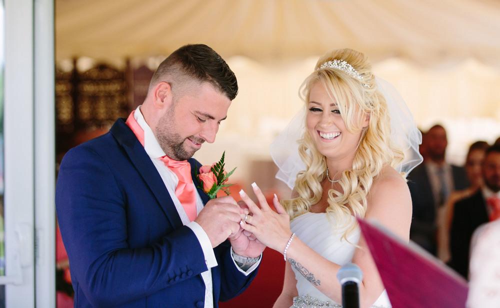 Essex-countryside-wedding-summer-ring