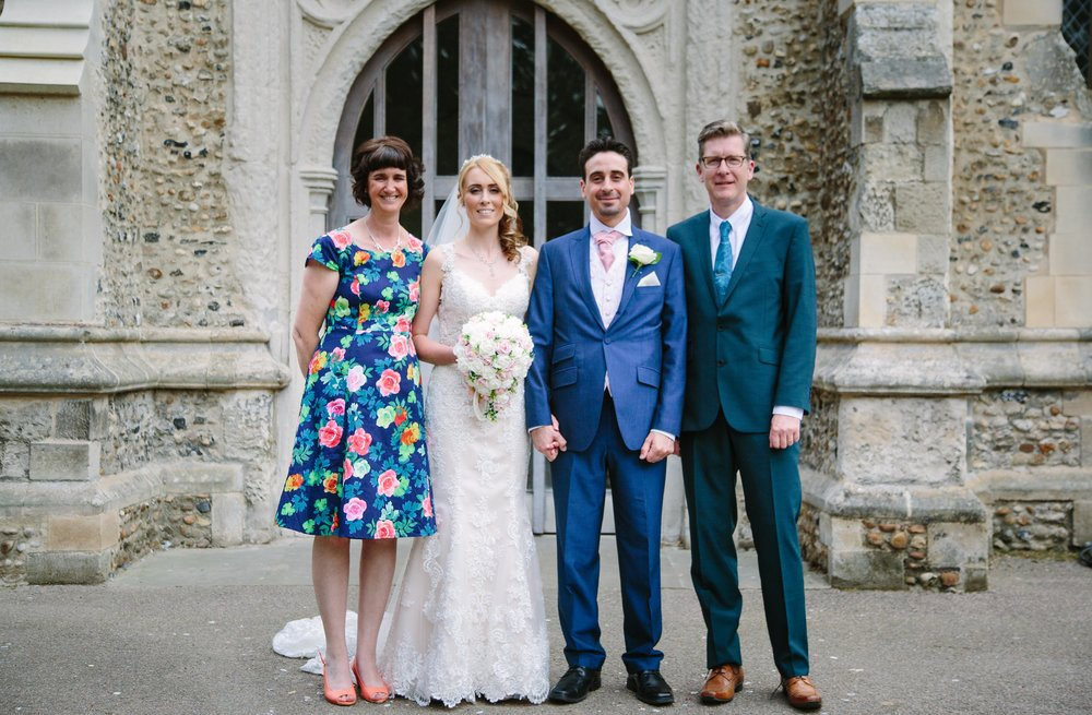 St-Mary's-church-Hitchin-herfordshire-wedding-family-portrait