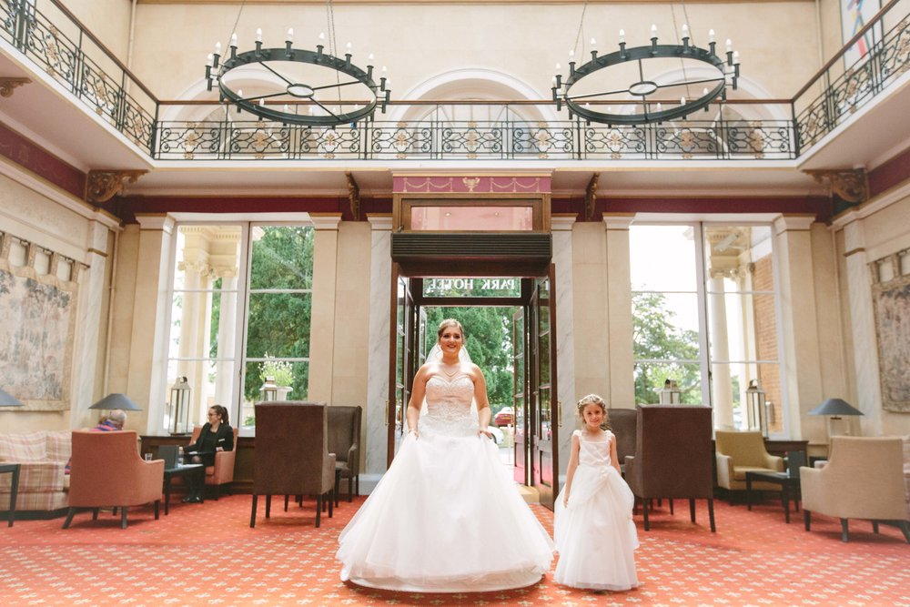 HamptonCourt-Wedding-Weybridge-Surrey-London-OatlandsParkHotel-19