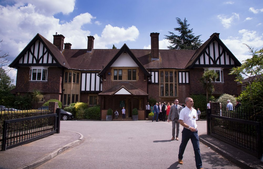 HamptonCourt-Wedding-Weybridge-Surrey-London-OatlandsParkHotel-23