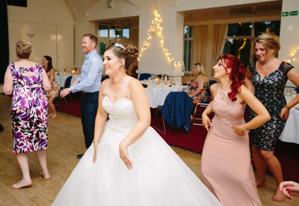 HamptonCourt-Wedding-Weybridge-Surrey-London-OatlandsParkHotel-47