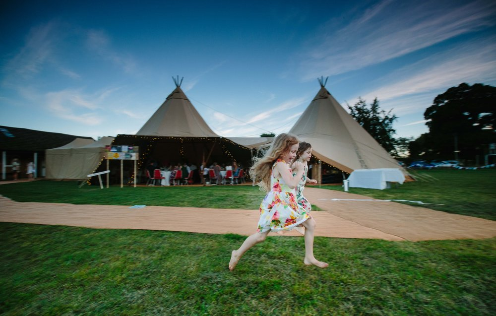 bedfordshire-tipi-rustic-summer-wedding-delirious-71