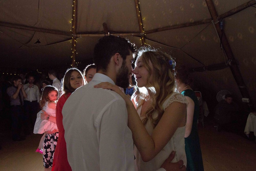 bedfordshire-tipi-rustic-summer-wedding-delirious-76