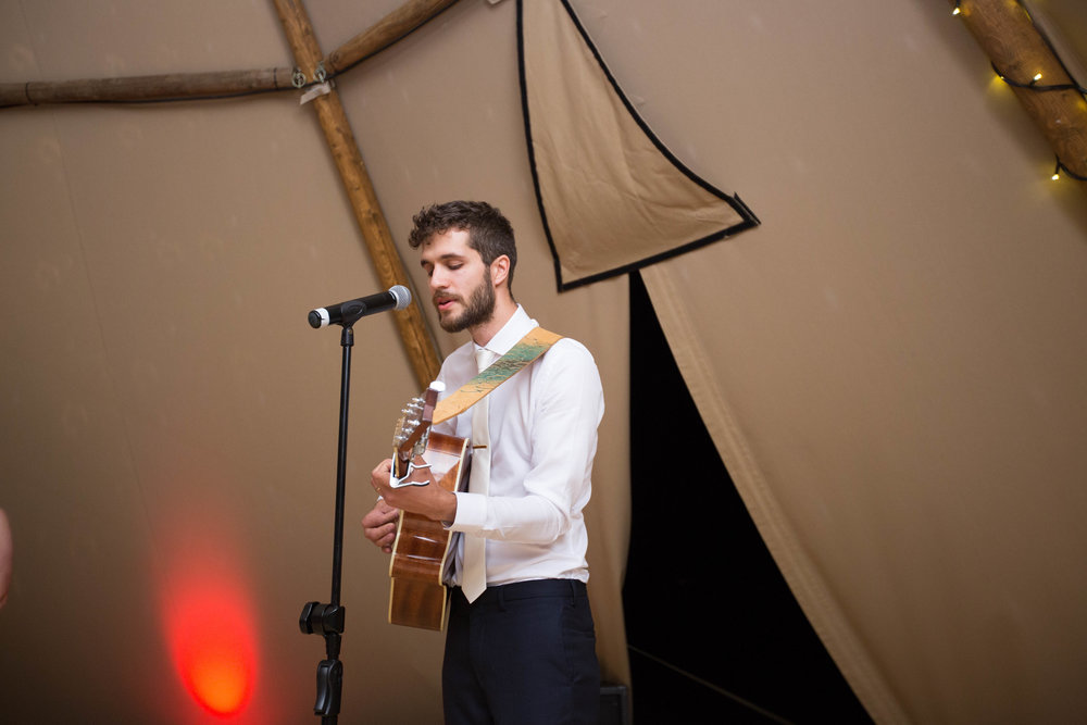 bedfordshire-tipi-rustic-summer-wedding-delirious-77