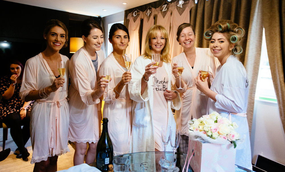 surrey-ascot-royal-berkshire-hotel-autumn-wedding-champagne-1