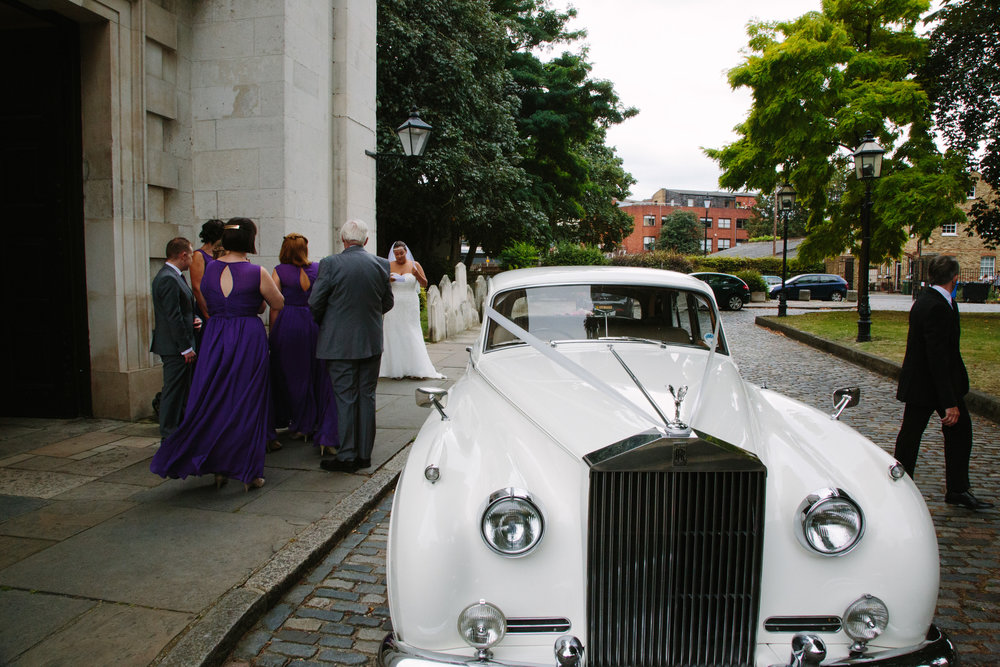 Saint-Alfege-Church-greenwich-wedding-rolls-royce-1