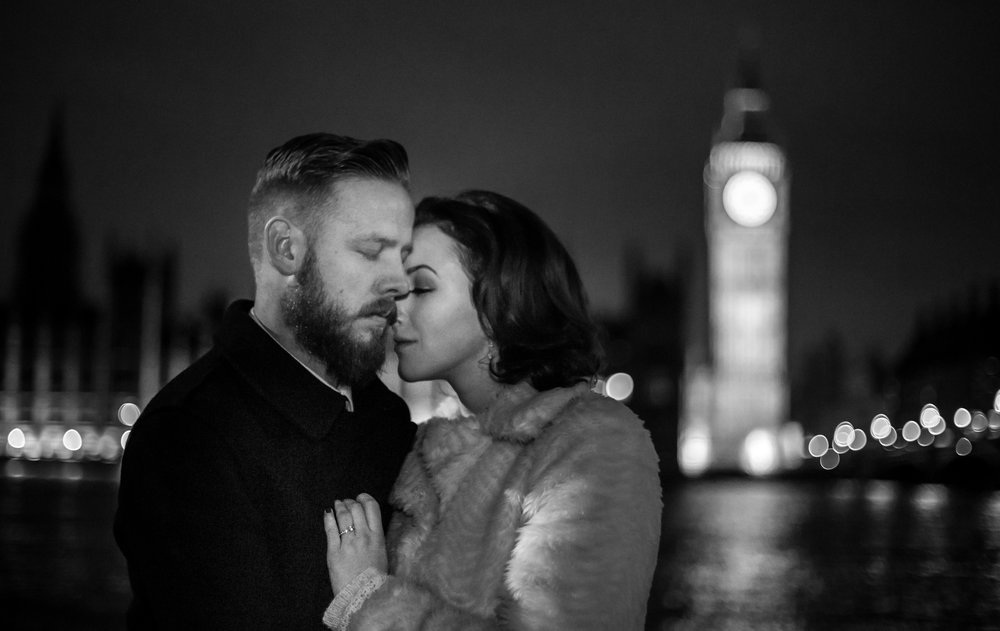Westminster-engagement-monochrome-romance-photography-01