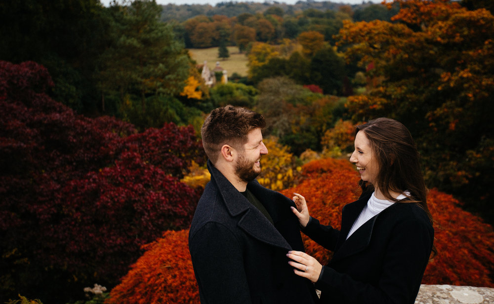 scotney-castle-kent-autumn-london-engagement-photography-03