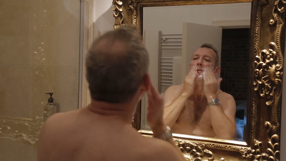 shaving-mirror-groom-marryoke-norfolk-wedding-videography-7