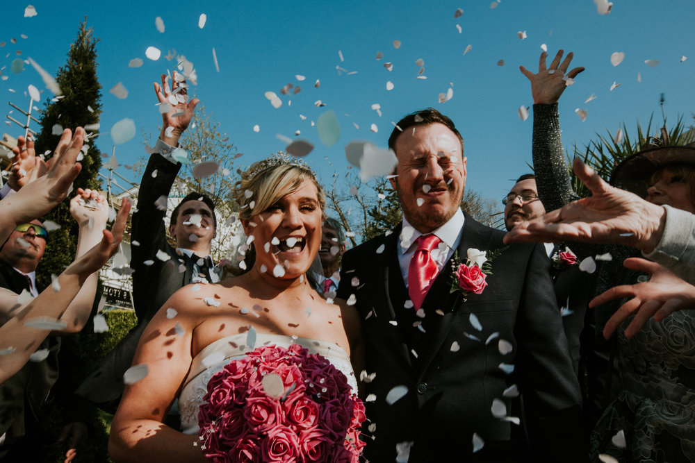tunbridge-wells-wedding-photography-kent-london-confetti-2