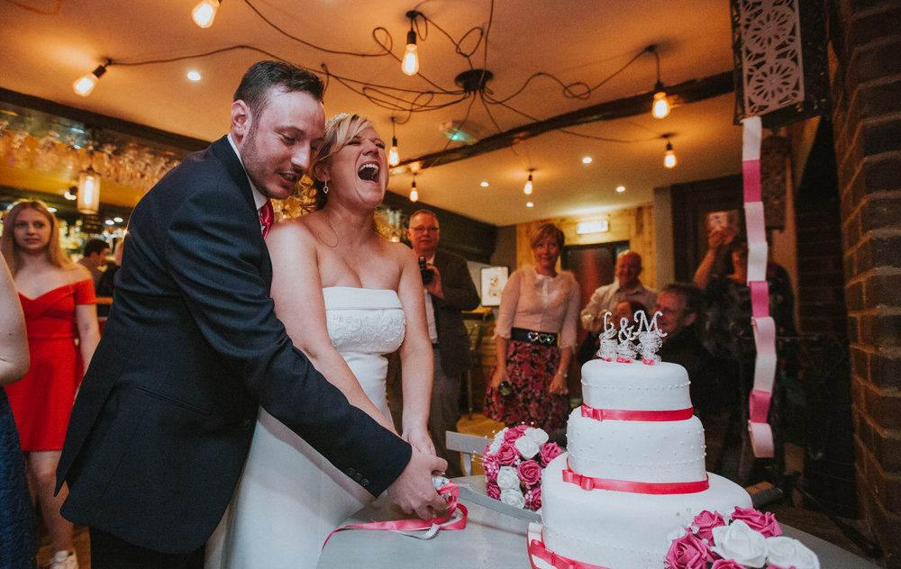 tunbridge-wells-hotel-london-kent-wedding-photography-cake-cutting-470