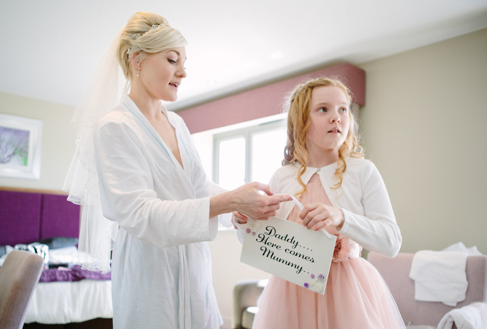 cotswalds-chipping-norton-oxfordshire-london-wedding-photography-bridal-prep-08