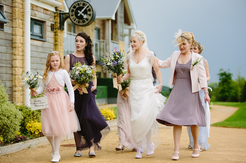 cotswalds-chipping-norton-oxfordshire-london-wedding-photography-bridal-prep-15