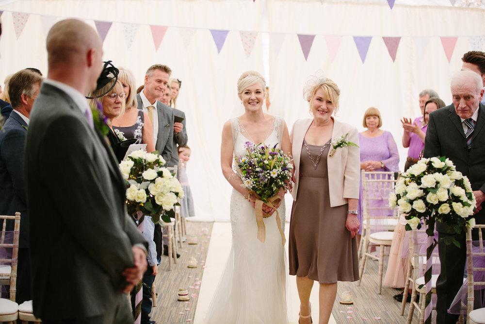 cotswalds-chipping-norton-oxfordshire-london-wedding-photography-bridal-prep-17