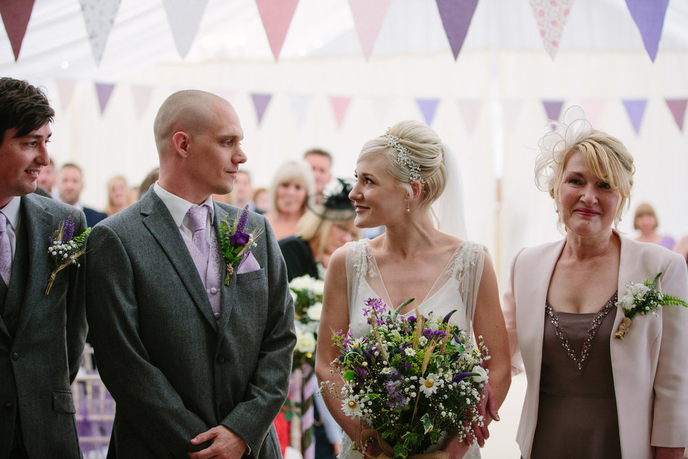 cotswalds-chipping-norton-oxfordshire-london-wedding-photography-bridal-prep-18