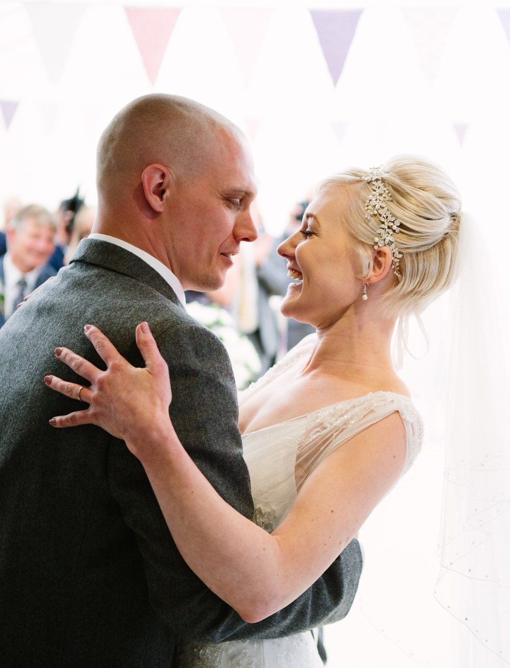 cotswalds-chipping-norton-oxfordshire-london-wedding-photography-23