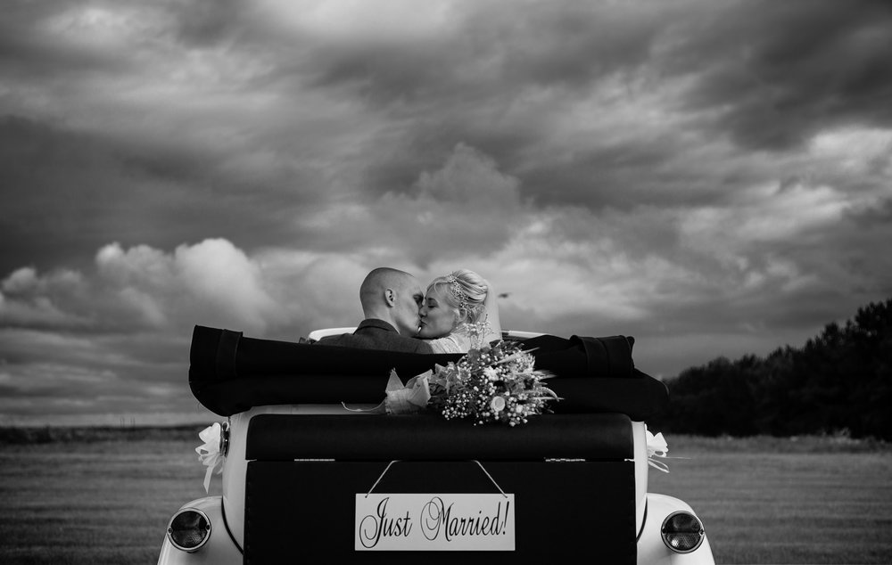 cotswalds-chipping-norton-oxfordshire-london-wedding-photography-portrait-classic-car-31