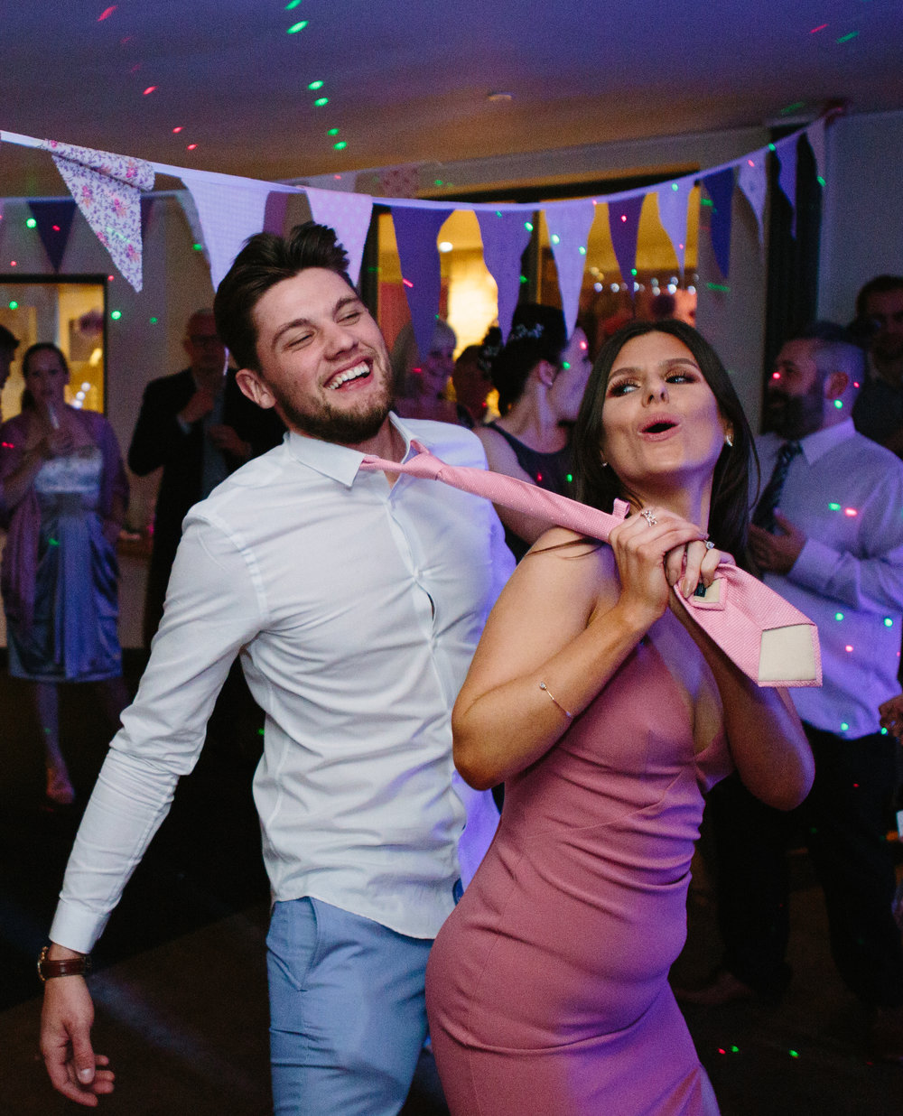 cotswalds-chipping-norton-oxfordshire-london-wedding-photography-dance-53