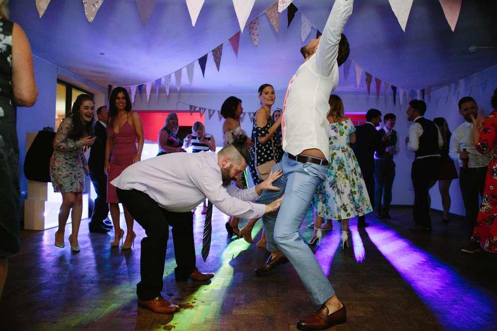 cotswalds-chipping-norton-oxfordshire-london-wedding-photography-bromance-56