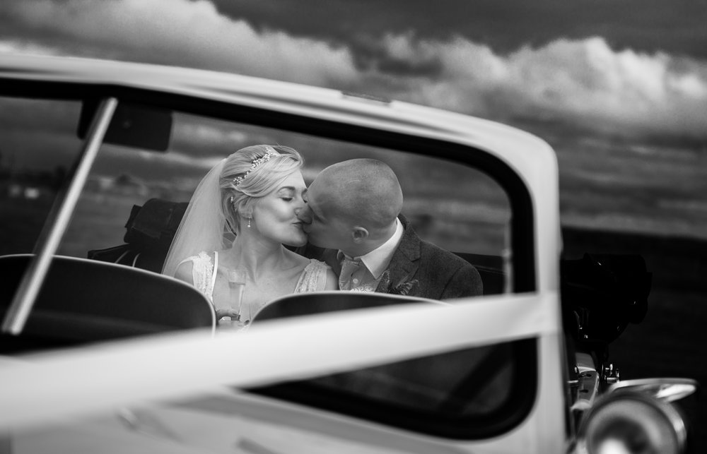 cotswalds-chipping-norton-oxfordshire-london-wedding-photography-bridal-portrait-classic-car-61