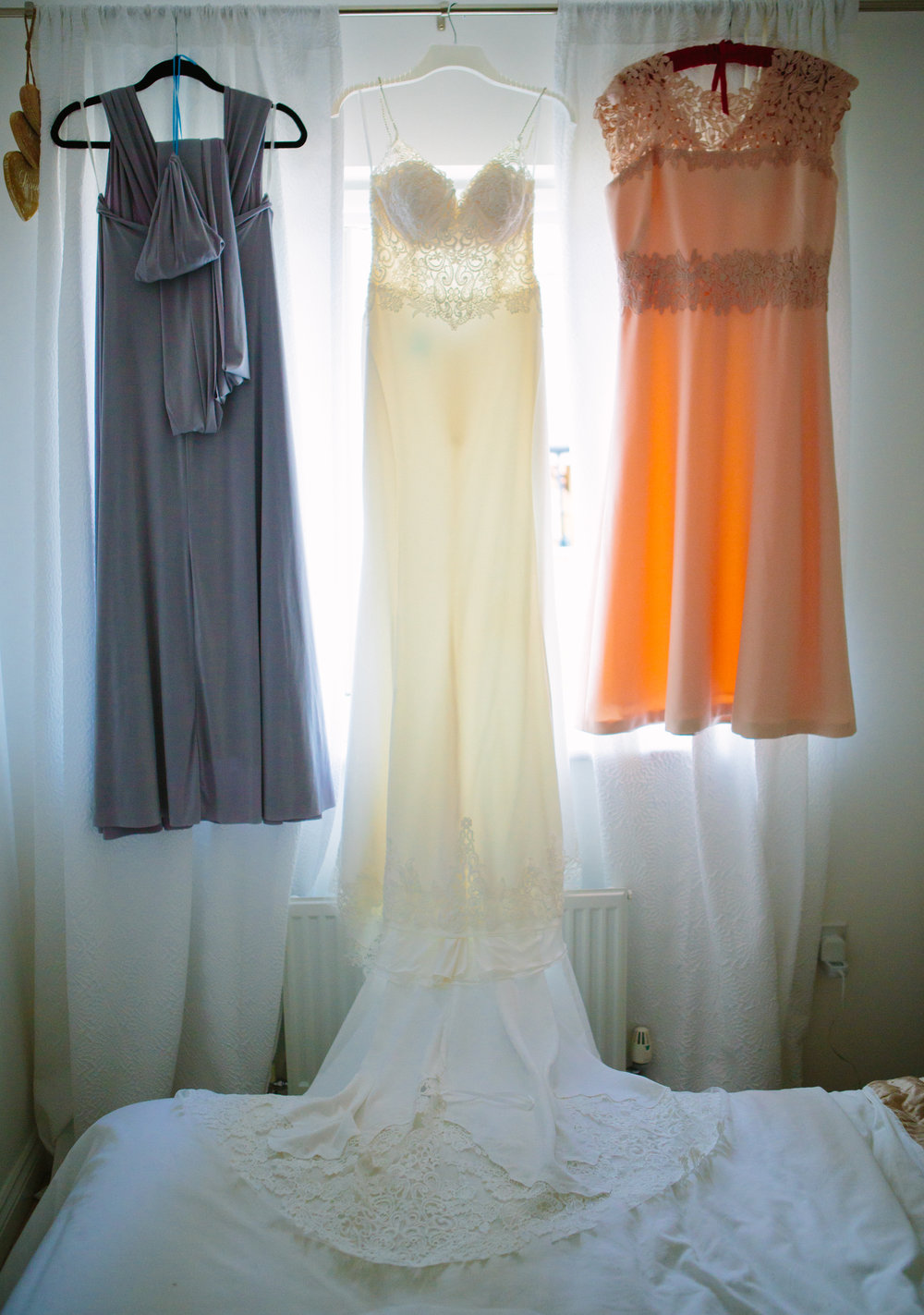 kent-wedding-photography-kingsnorth-brides-dress-05