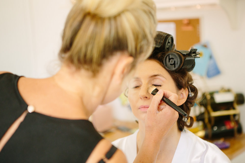 kent-wedding-photography-kingsnorth-bridal-prep-06