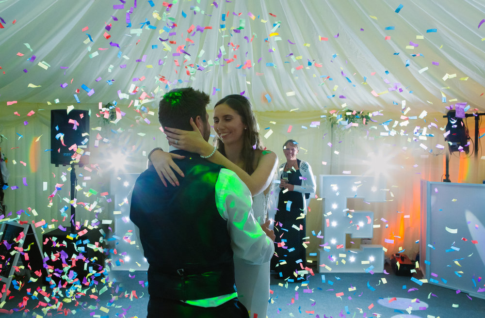 london-kent-wedding-photography-kingsnorth-marquee-rustic-first-dance-78