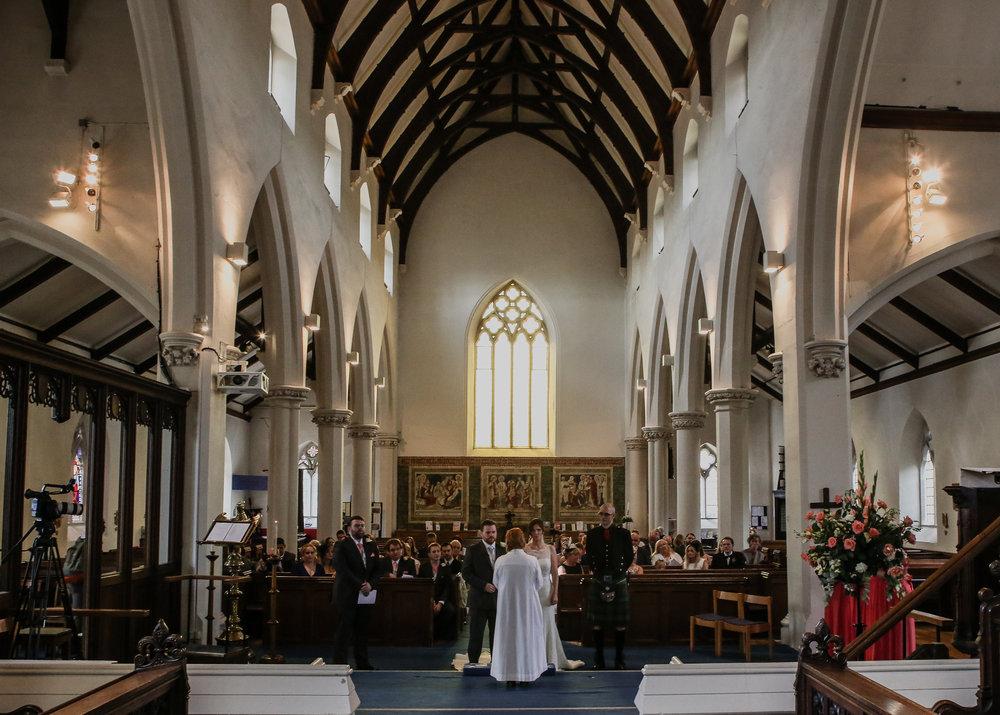 reigate-surrey-london-wedding-photography-church-altar-40