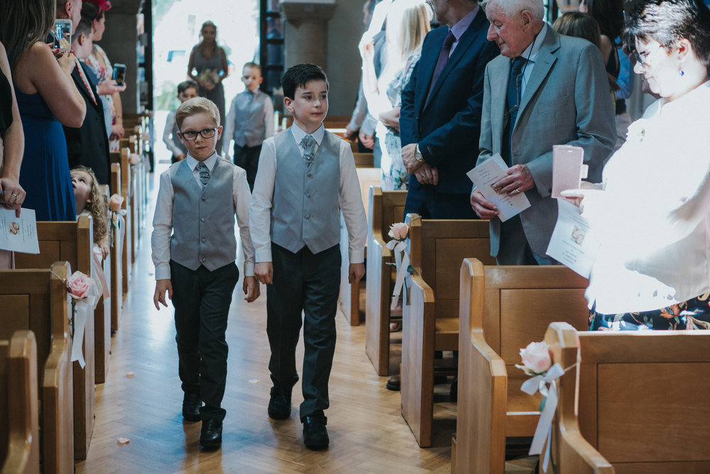hitchin-hertfordshire-london-wedding-photography-catholic-ceremony-19
