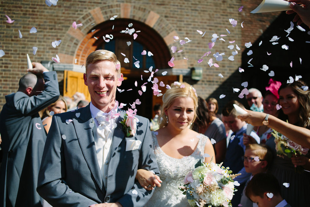 hitchin-hertfordshire-london-wedding-photography-catholic-ceremony-confetti-31