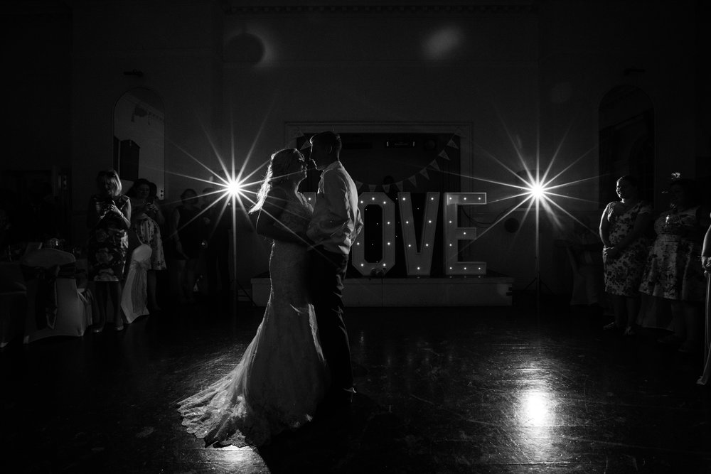 hitchin-hertfordshire-london-wedding-photography-catholic-church-first-dance-52