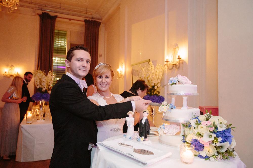 london-wedding-photography-wimbledon-wandsworth-town-hall-savoy-polish-club-kensington-ognisco-cake-102