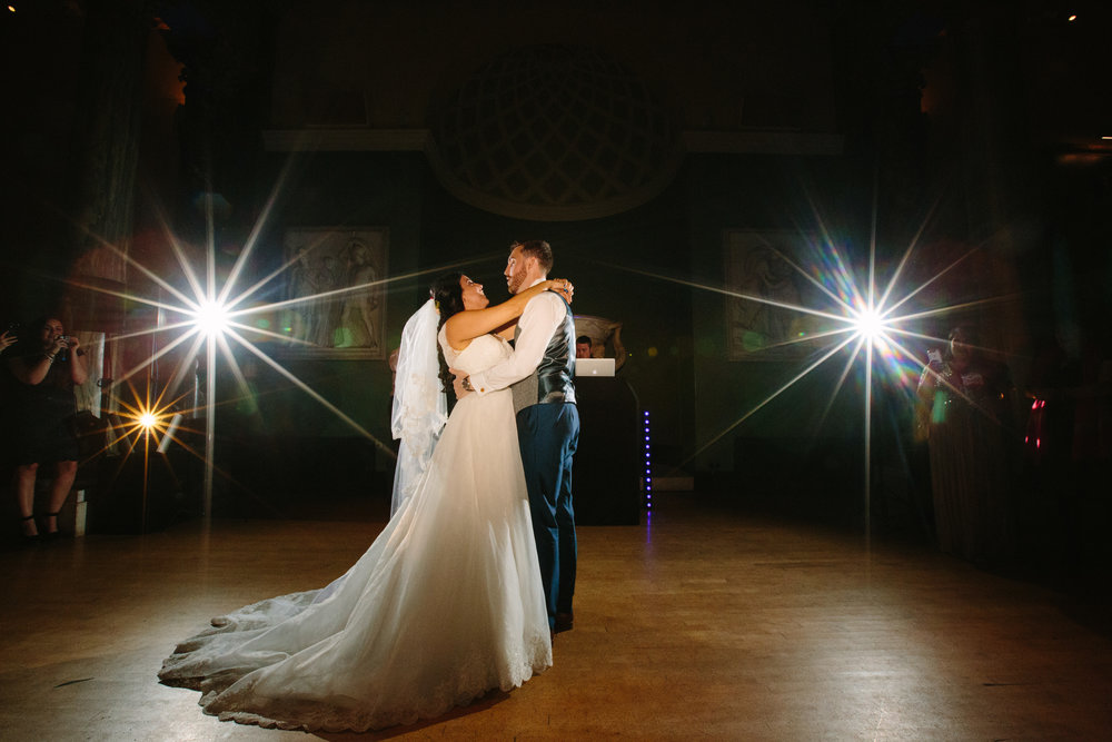london-bedfordshire-uk-wedding-photography-woburn-sculpture-gallery-first-dance-78