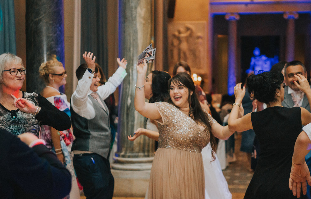 london-bedfordshire-uk-wedding-photography-woburn-sculpture-gallery-dancing-party-92