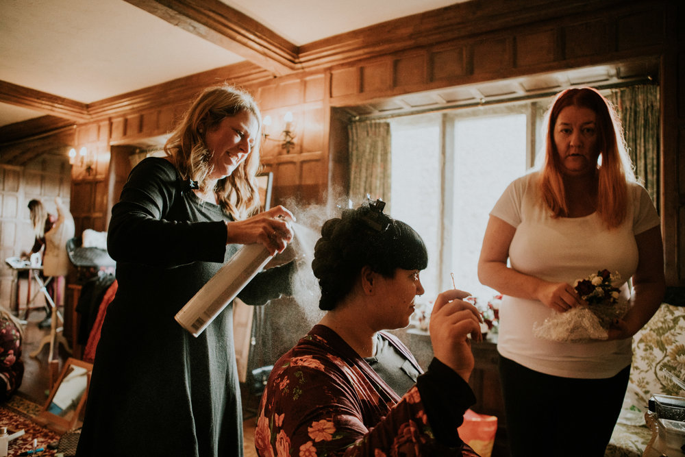london-kent-wedding-photography-lympne-castle-bride-prep-02