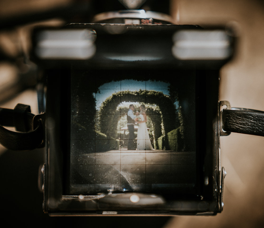 wedding-photography-tewinbury-farm-barn-hertfordshire-london-vintage_camera-27