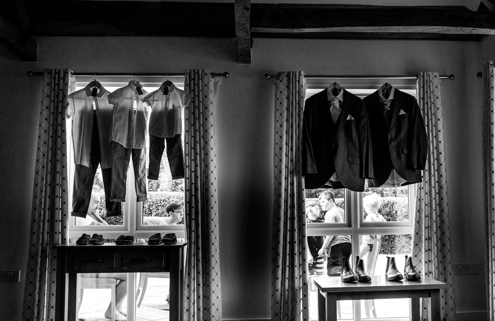 hampshire-selsey-london-wedding-photography-videography-marquee-church-prep-404